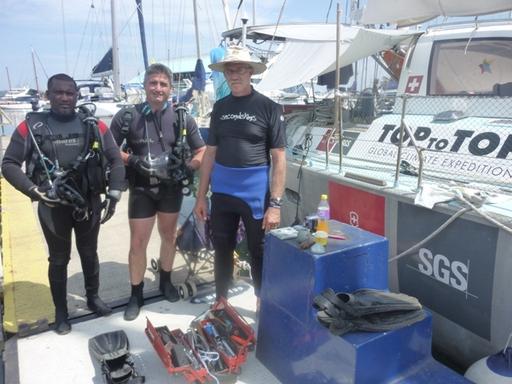 2011-12-01_sa_durban_cop17_divers.JPG