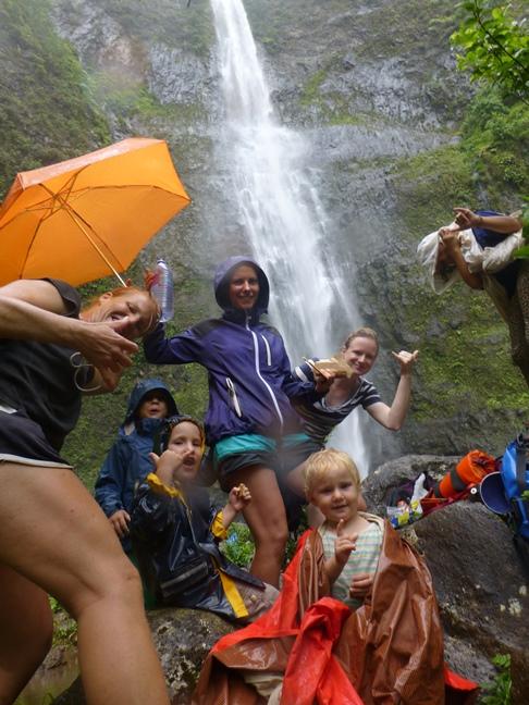 2013-06-25_usa-hawaii-kauai-hanakapi'ai-valley_waterfalls-sabine-christina-andri-salina-alegra-noe-nicole.JPG