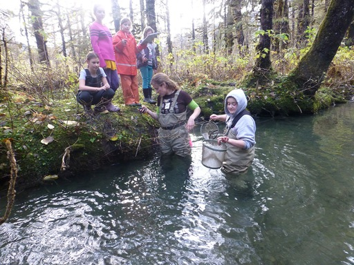 2013-10-04_usa-alaska-cordova_girl-scouts-watershed-project.JPG