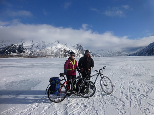 2014-03-07_usa_alaska_sea-to-denali_sabine-dario-cycling-portage-lake-1.JPG
