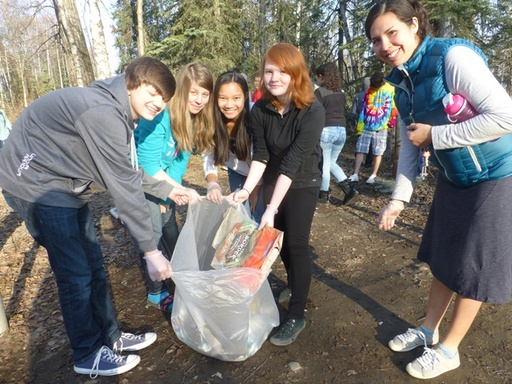 2014-05-01_usa_alaska_sea2top2sea_bartlett-high-school_clean-up-1.JPG