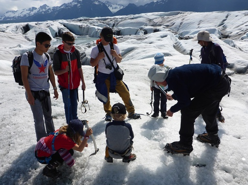 2014-06-12_usa_alaska_cordova_sheridan_glacier_ice_screw_dario.JPG
