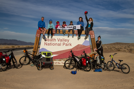 2014-11-13_usa-california_death-valley-welcome-sign.jpg