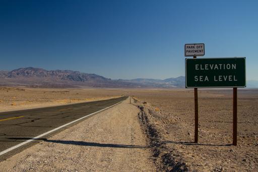 2014-11-14_usa-california_death-valley-elevation-sign.jpg