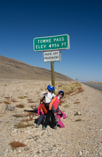 2014-11-14_usa-california_death-valley-towne-pass.jpg