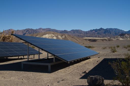 2014-11-17_usa-california_furnace-creek-solar-panels.jpg
