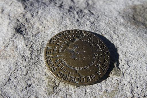 2014-11-08_usa-california_summit-plaque